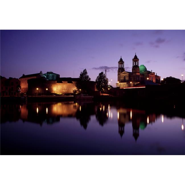 Posterazzi DPI1821034LARGE River Shannon Athlone County Westmeath Ireland - Riverside Town At Night Poster Print by Richard Cummins, 36 x 24 - Large - image 1 de 1