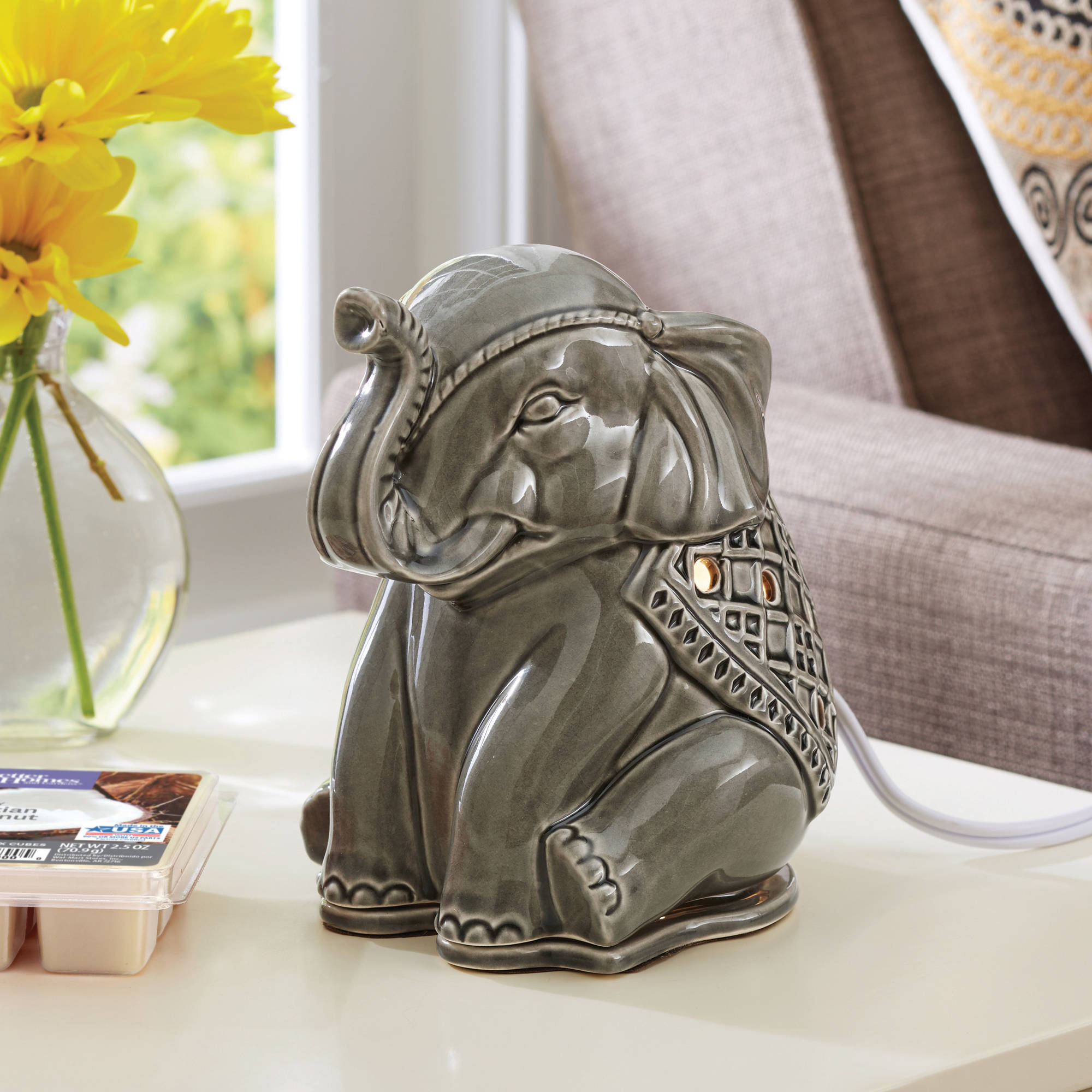 Click here to buy Better Homes & Gardens Wax Warmer Starter Set, Elephant by Generic.