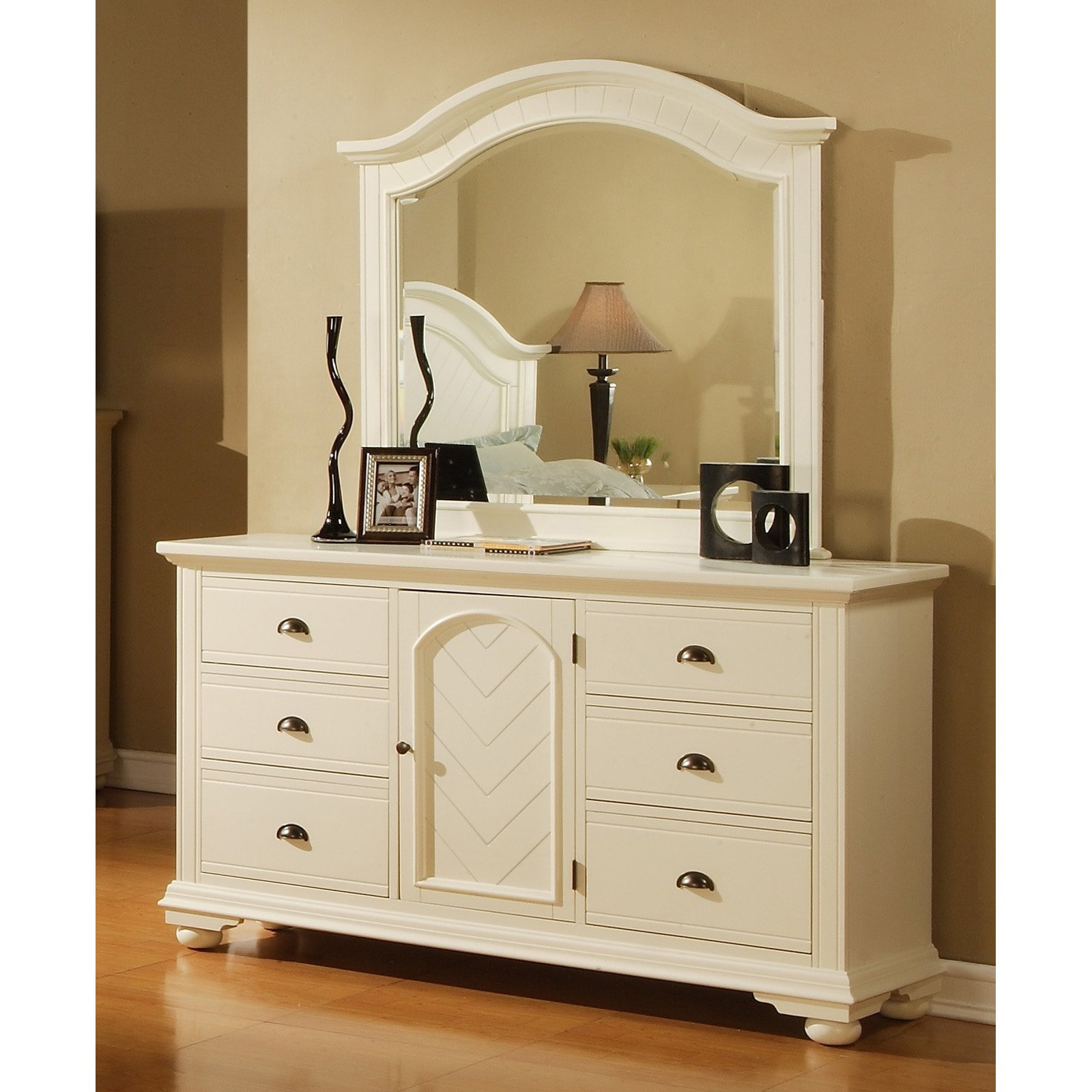 Picket House Furnishings Brook 6 Drawer 1-Door Dresser - Cottage White