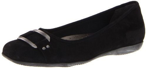 Trotters Women's Sizzle Signature Ballet Flat by Trotters
