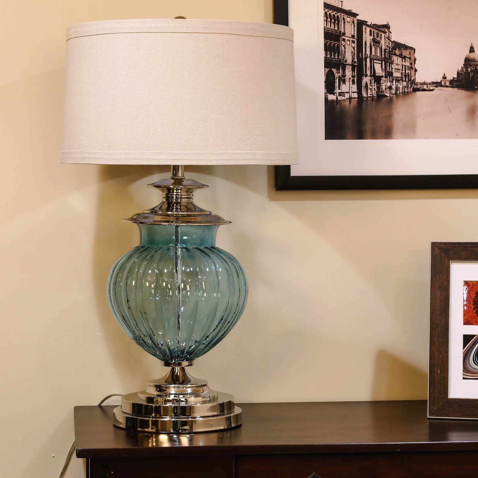 Bombay BH-SLE-20086462 Urn Table Lamp
