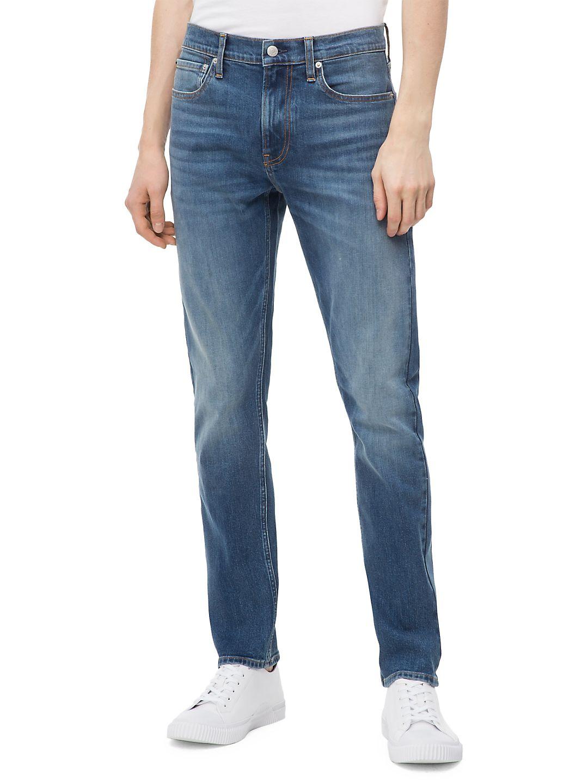 CKJ 026 Slim-Fit Jeans