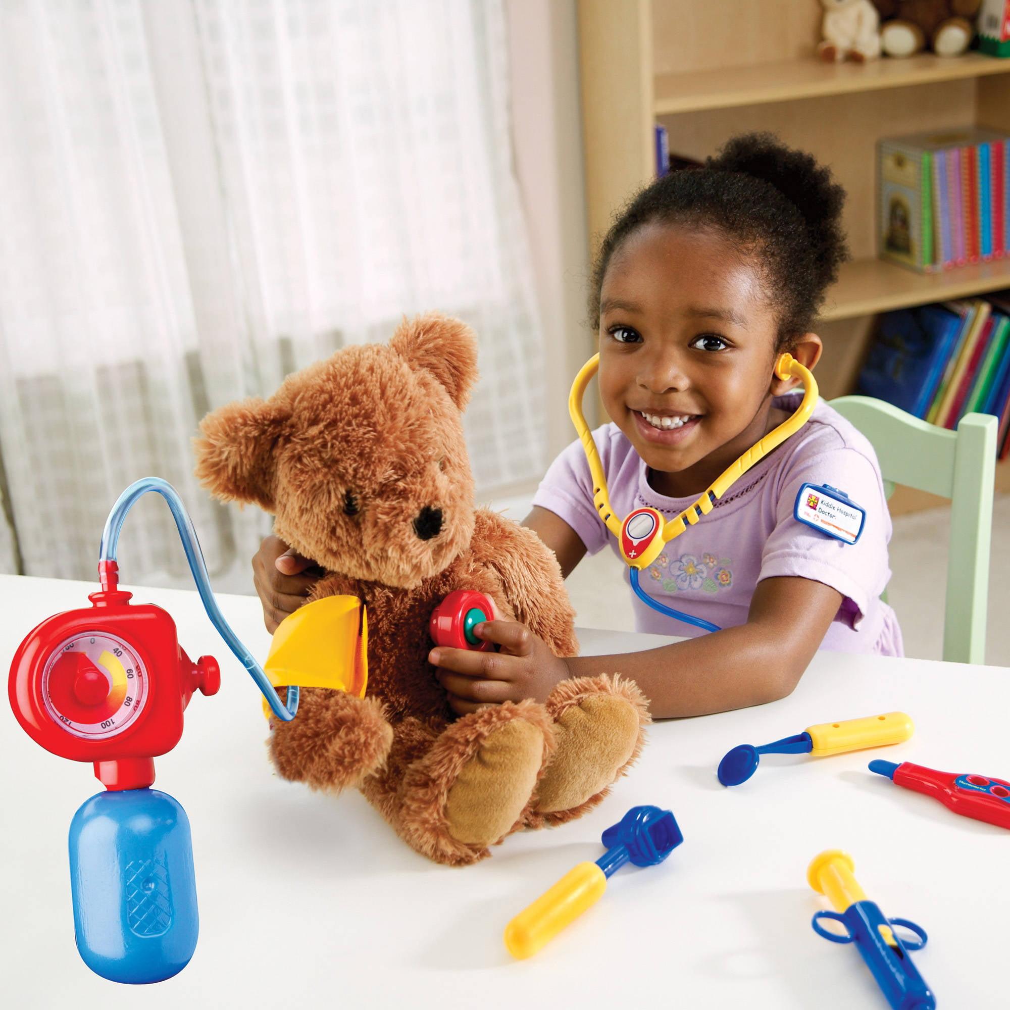 Resultado de imagen para kids playing doctor