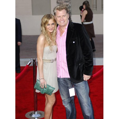 Ashlee Simpson Joe Simpson At Arrivals For 2006 American Music Awards - Arrivals The Shrine Auditorium Los Angeles Ca November 21 2006