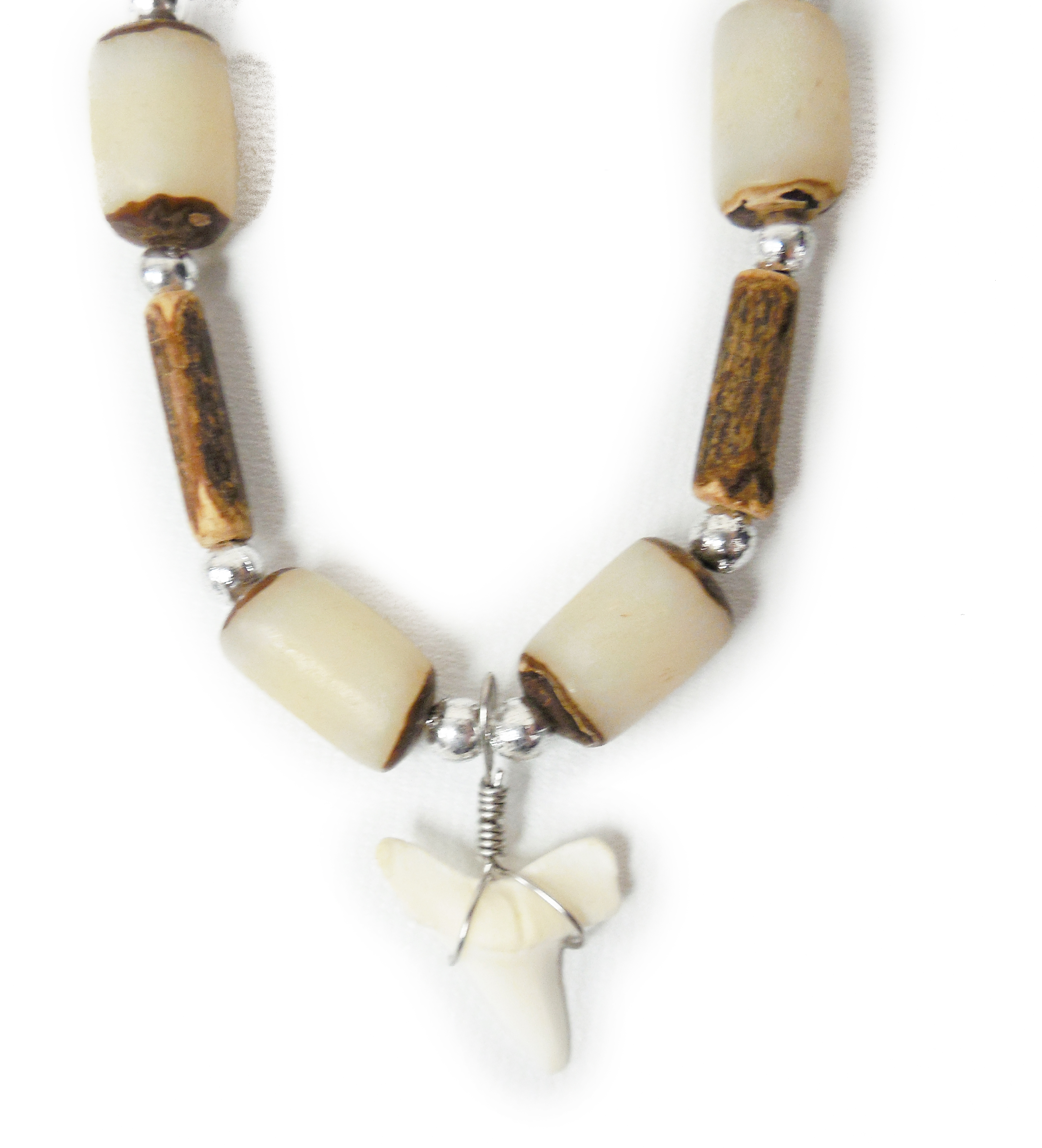 """Atlantic Coral Boys Sharks tooth Necklace 18"""" Brown/White"""