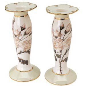 The Smithsonian Collection 925011 White Rose Candlestick   Large