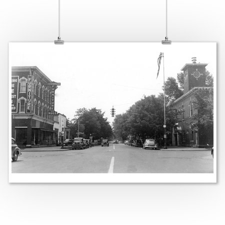 Greenville, Michigan - View of a City Street (9x12 Art Print, Wall Decor Travel Poster) - Home Decor Greenville Sc