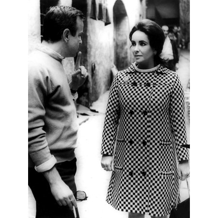 Film still featuring Elizabeth Taylor on a street Photo Print