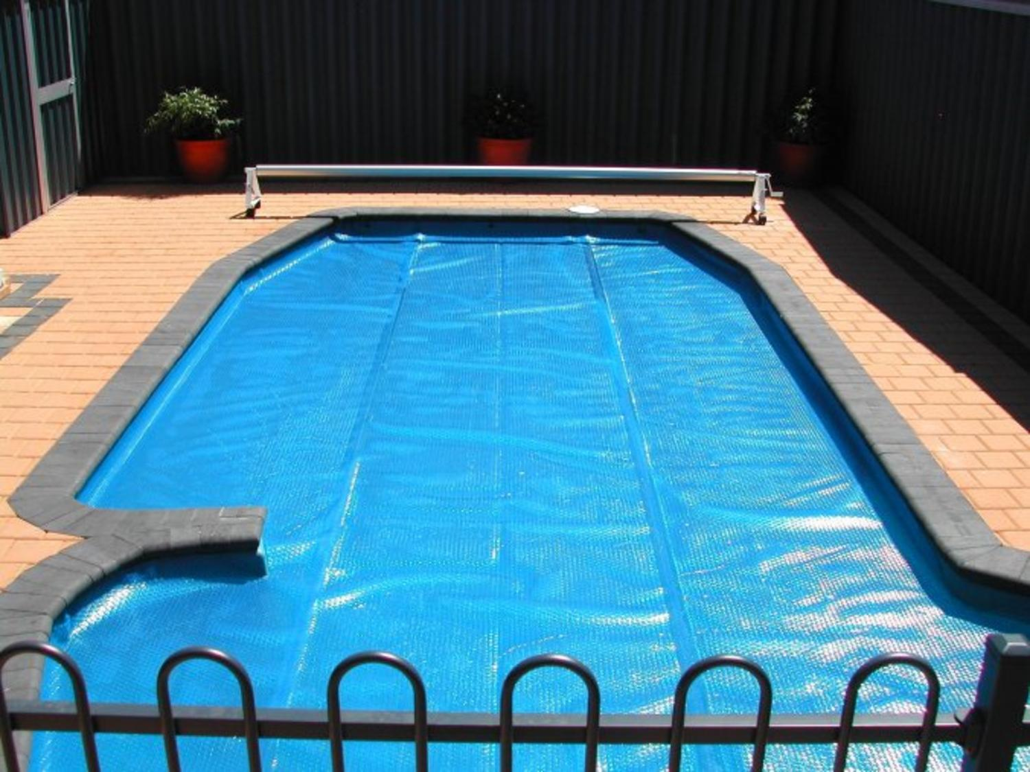 12\' x 24\' Rectangular Heat Wave Solar Blanket Swimming Pool Cover - Blue