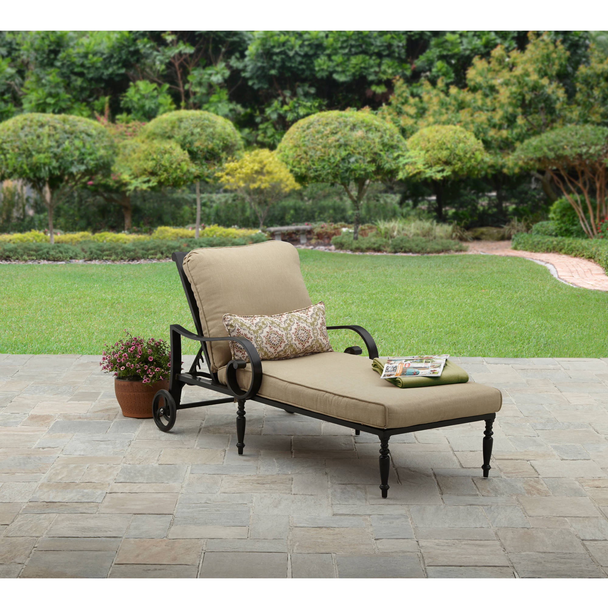 Better Homes & Gardens Englewood Aluminum Outdoor Chaise Lounge