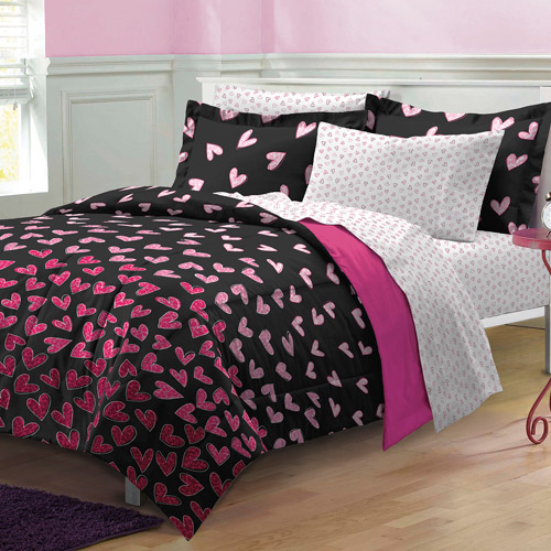 My Room Wild Hearts Mini Bed in a Bag Bedding Set, Black