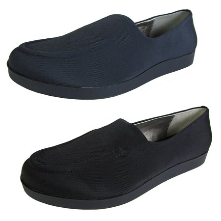 Me Too  Womens Baylee Flat Loafer Shoe