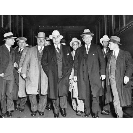 Mobi Frame (Laminated Poster Al Capone Chicago Mob Boss Portrait Poster Print 24 x 36)
