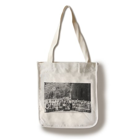 California Tote Bag (Glen Ellen, California - Waldruhe Heights Resorters Posing (100% Cotton Tote Bag -)