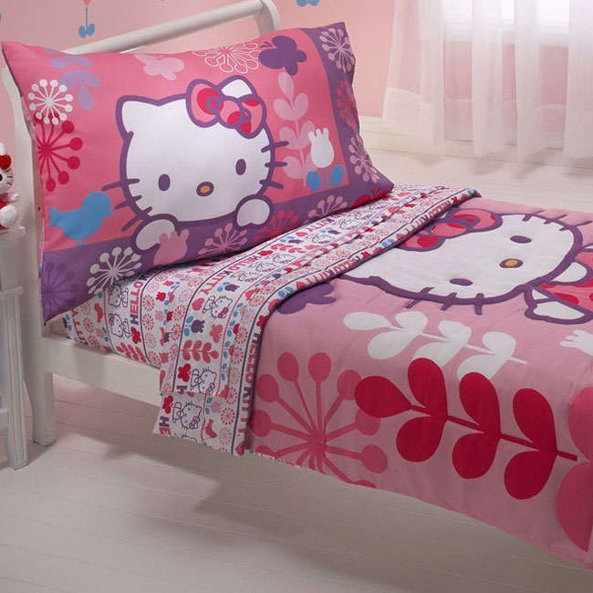 Hello Kitty Modern Garden Toddler Bedding Set