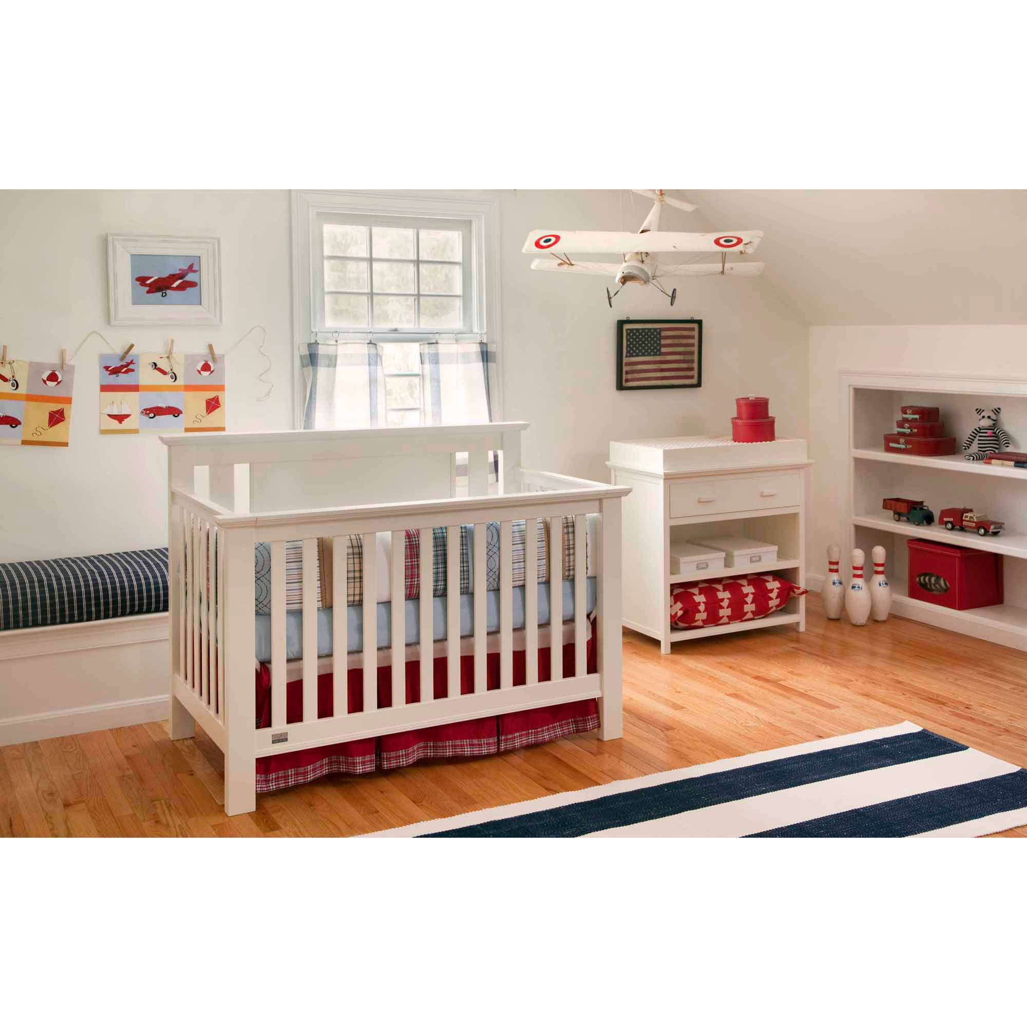 Lolly & Me Delaney 4-in-1 Fixed-Side Convertible Crib, White