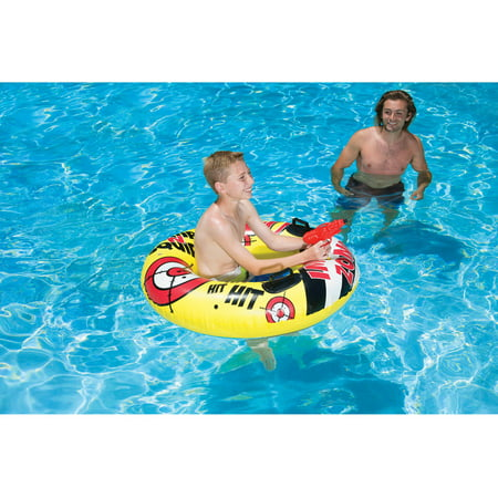 Poolmaster Yellow Bump N Squirt - Squirt Close Up