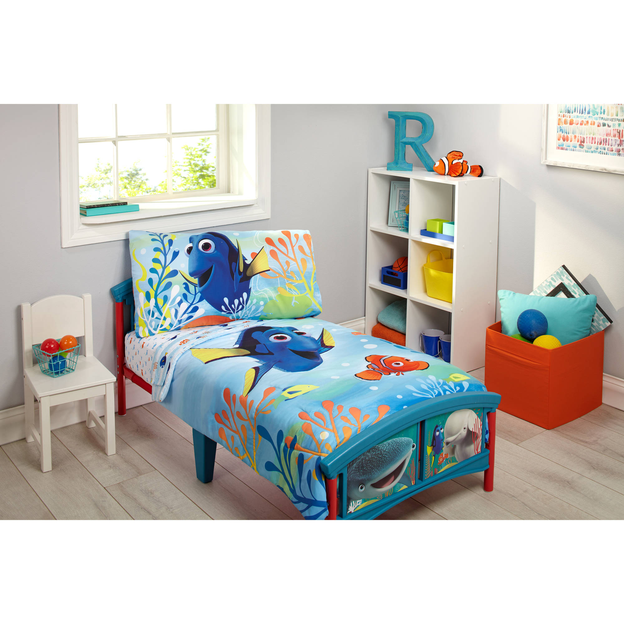 Disney Finding Dory 4 Piece Toddler Bedding Set