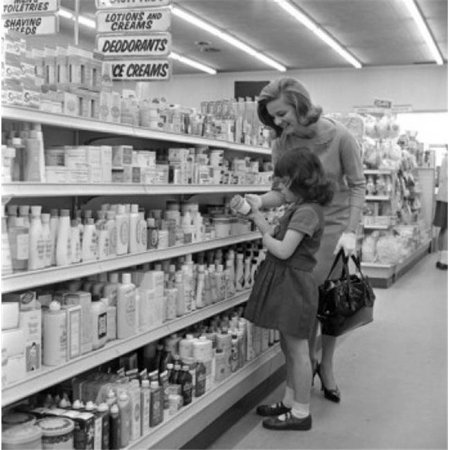 Posterazzi SAL255421035 Mother & Daughter Choosing Cosmetics in Supermarket Poster Print - 18 x 24 in. - image 1 de 1