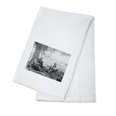Cowboys Eating Dinner under a Tree - Vintage Photograph (100% Cotton Kitchen Towel)