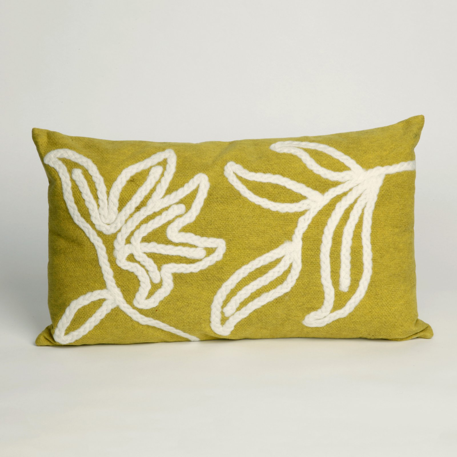 Liora Manne Windsor Indoor / Outdoor Throw Pillow
