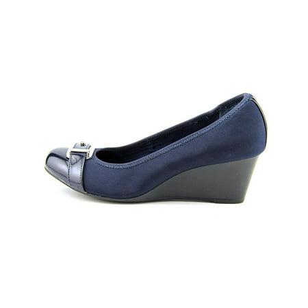Alfani Womens Tomina Closed Toe Casual Platform Sandals
