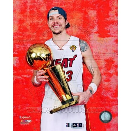 Photofile PFSAAOZ14701 Mike Miller with the NBA Championship Trophy Game 5 of the 2012 NBA Finals Sports Photo - 8 x 10