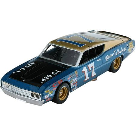 a7fd2f28578 Lionel Racing David Pearson Ford Torino Talladega 1969 Ford Torino Diecast  Car