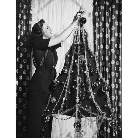 Deanna Durbin Decorating Her Two Dimensional Wartime Christmas Tree (The Last Rose Of Summer Deanna Durbin)