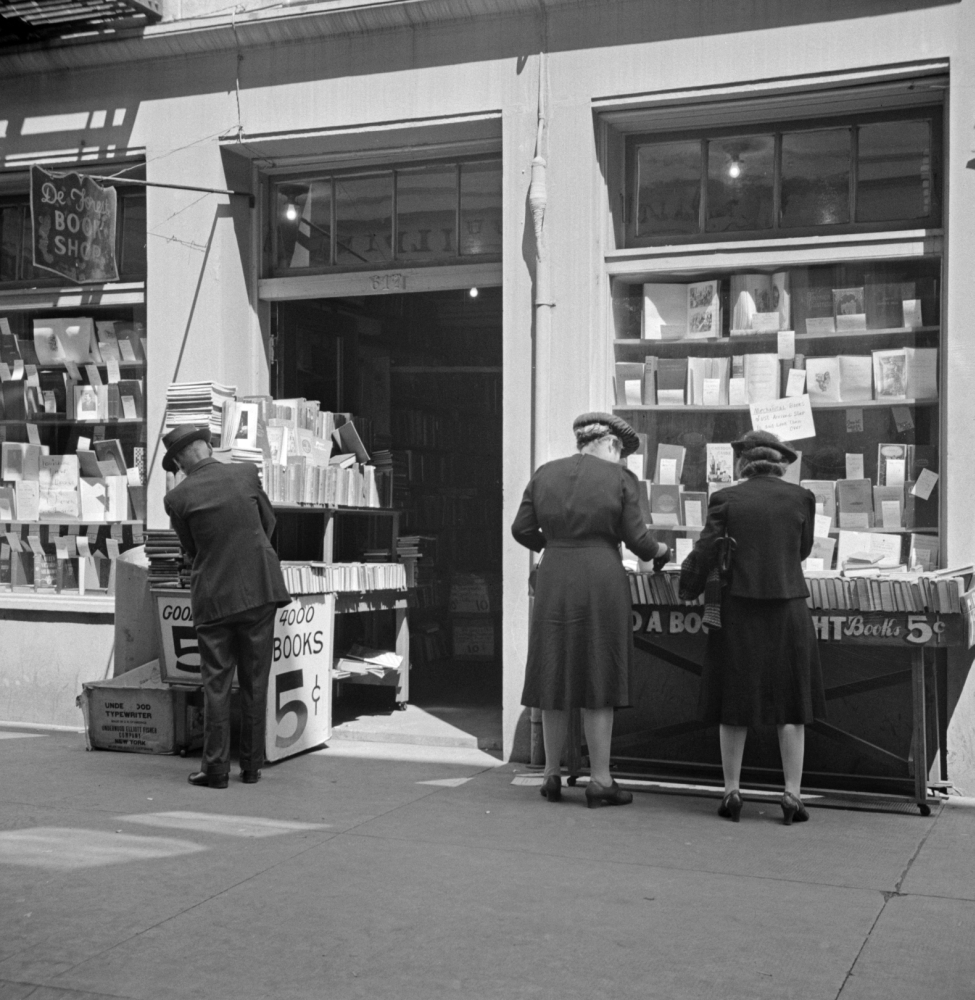 New Orleans 1943 Nshoppers Outside Of A Book Store In New Orleans Louisiana  Photograph By John