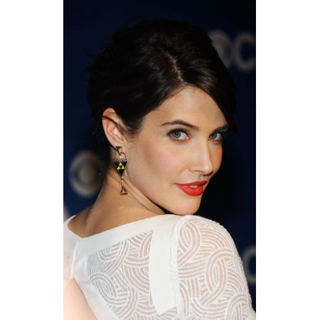 Cobie Smulders (Wearing Jewelmint Earrings) At Arrivals For Cbs Network  Upfronts Presentation 2012 Stretched Canvas - (16 x 20)