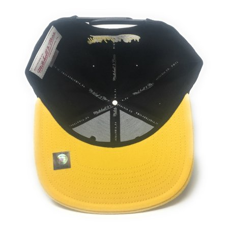 Mitchell and Ness Toronto Raptors Chinese New Year - Chinawear Two-Tone Black/Gold Snapback Hat - image 2 of 5
