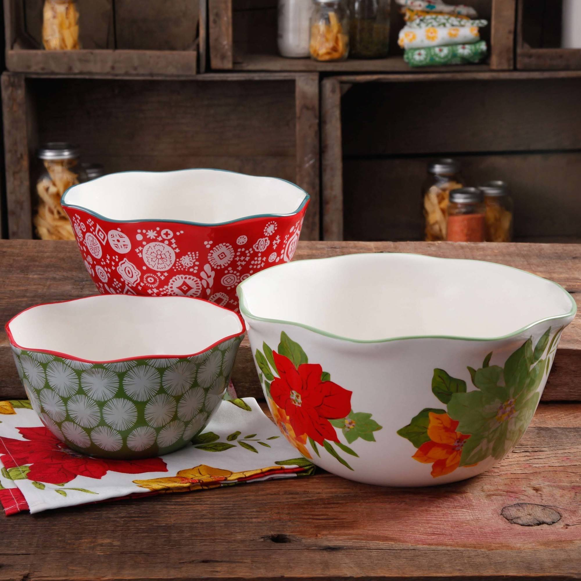 The Pioneer Woman Poinsettia 3-Piece Scalloped Edge Serving Bowl Set