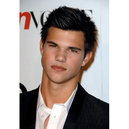 Taylor Lautner At Arrivals For Seventh Annual Teen Vogue Young Hollywood Party Milk Studios Los Angeles Ca September 25 2009 Photo By Dee CerconeEverett Collection Celebrity