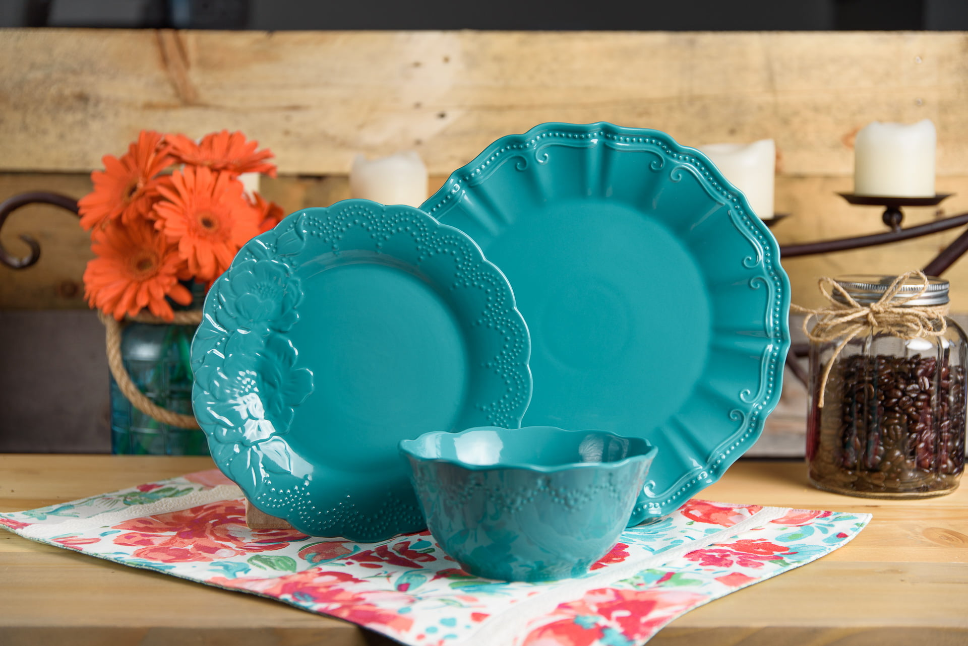 The Pioneer Woman Isabelle Teal 12-Piece Dinnerware Set