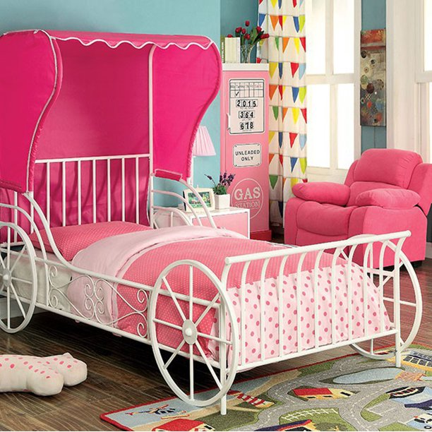 Metal Full Size Carriage Bed With Pink