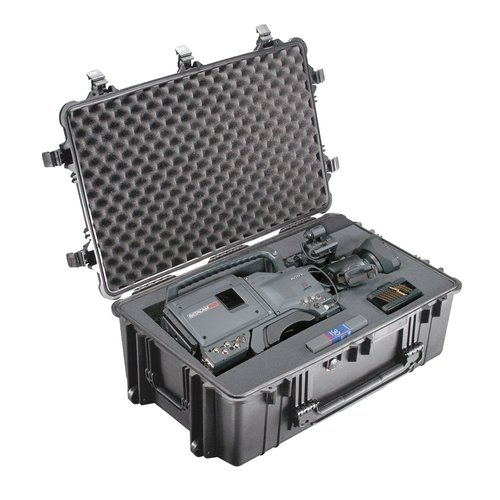 Pelican Products Equipment Case with Foam: 20.5'' x 30.75'' x 11.63''