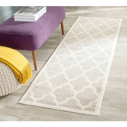 Safavieh Amherst Roderick Geometric Indoor/Outdoor Area Rug