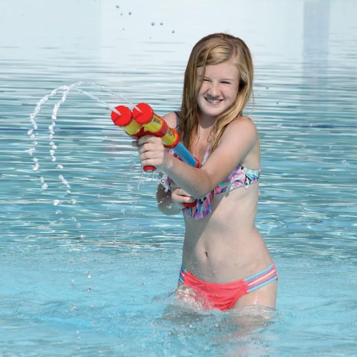Aqua Zooka Double Big Shot 18'' Super Soaker Water Gun Bazooka - image 1 of 2