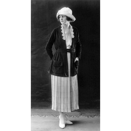 Womens Fashion 1920 Stretched Canvas - Science Source (18 x 24)