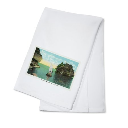 - Lake Superior, Wisconsin - Apostle Islands, Gem Island Scene (100% Cotton Kitchen Towel)