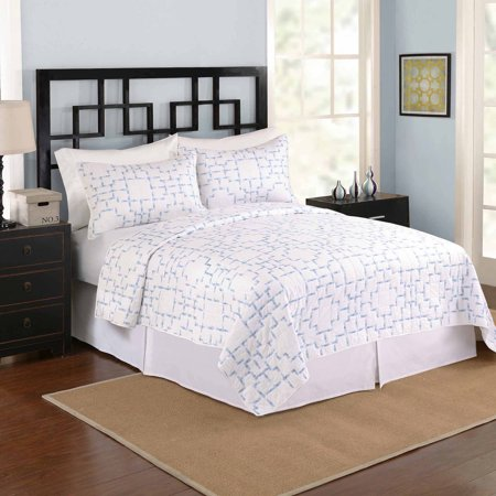 Better Homes and Gardens Easton Bedding Quilt, Full/Queen, Blue/White