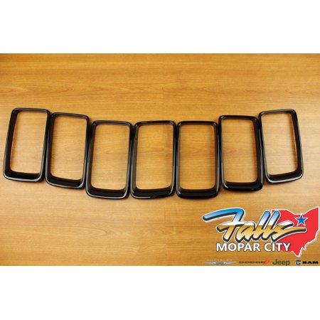 2014-2016 Jeep Grand Cherokee Gloss Black Trim Ring Grille Insert Set Mopar OEM
