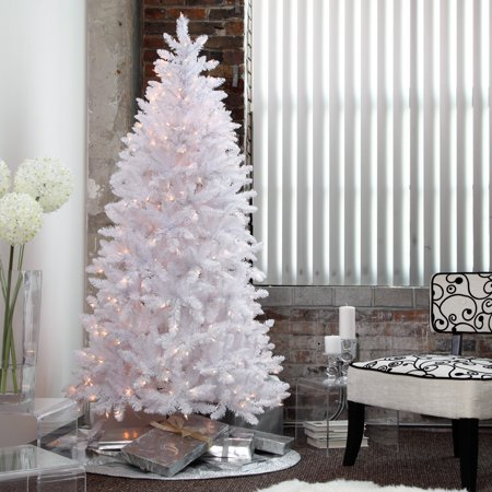 Winter Park Slim Pre-lit Christmas Tree ()