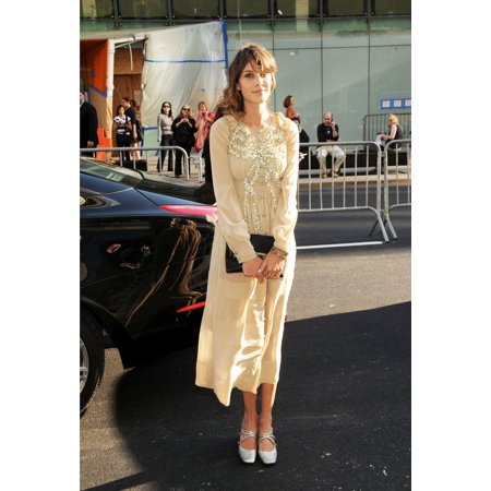 Alexa Chung At Arrivals For The 2010 Council Of Fashion Designers Of America Cfda Awards Alice Tully Hall At Lincoln Center New York Ny June 7 2010 Photo By Desiree Navarroeverett Collection Walmart Com