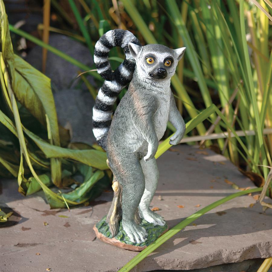 Design Toscano Rulon the Ring-Tailed Lemur Garden Statue