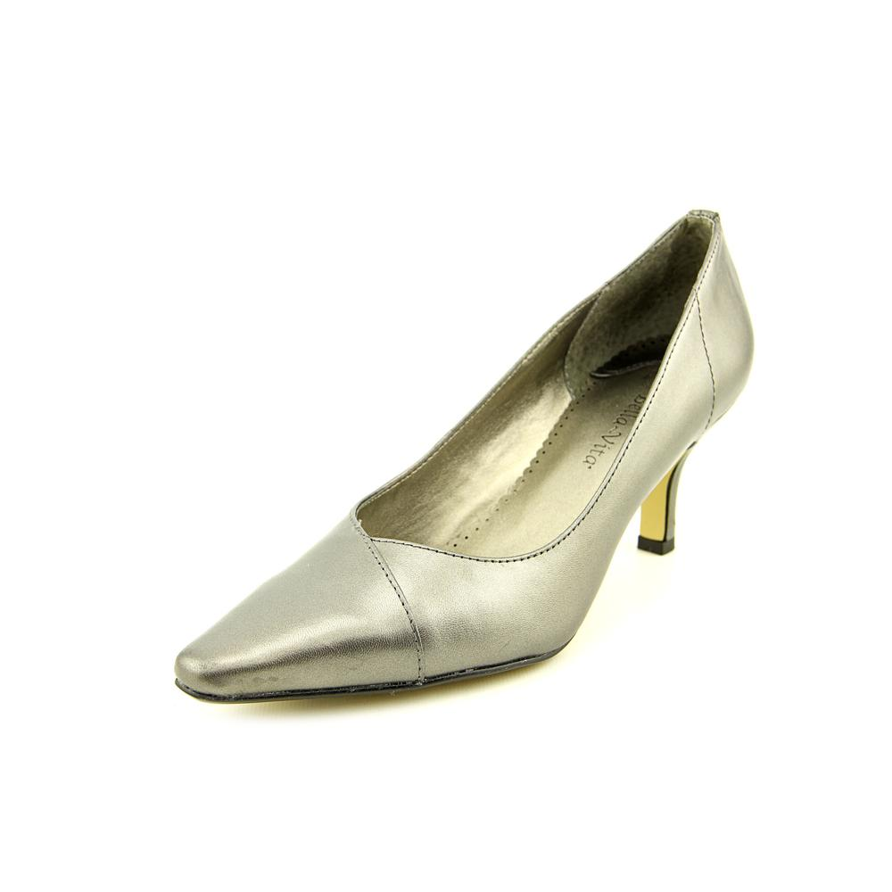Bella Vita Wow W Pointed Toe Leather Heels by Bella Vita