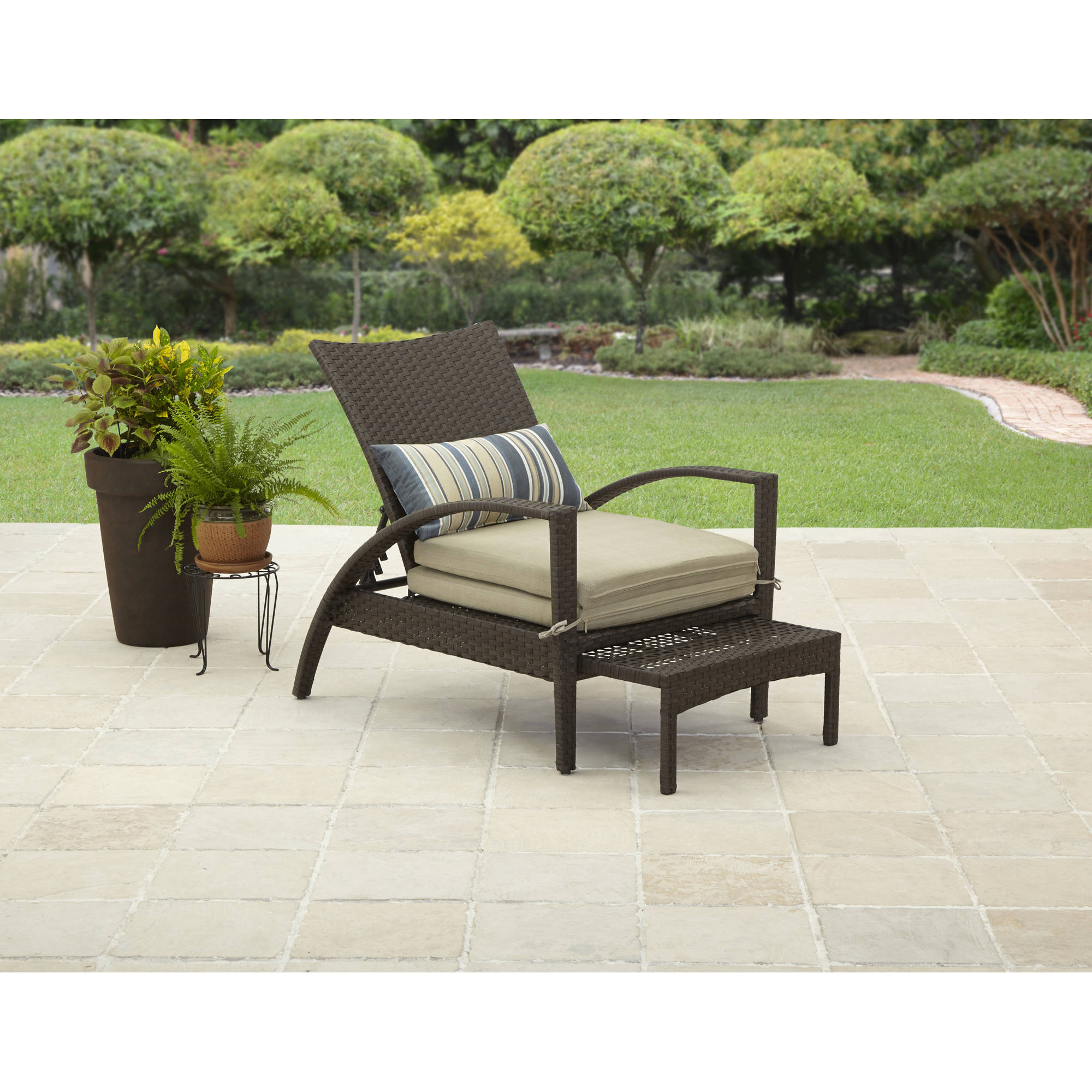 Better Homes and Gardens Avila Beach Pull-Out Chaise