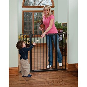 KidCo Tall & Wide Auto Close Gateway  - Black