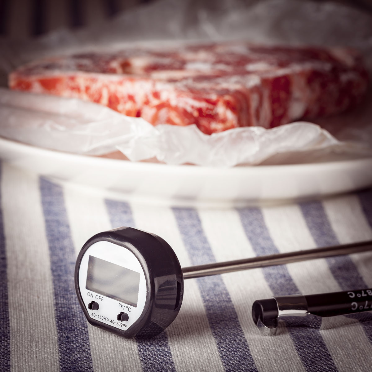 Digital Meat-Cooking Thermometer